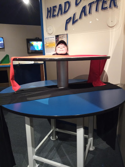 experience-wisdells-things-to-do-tommy-bartlett-exploratory-interactive-science-center