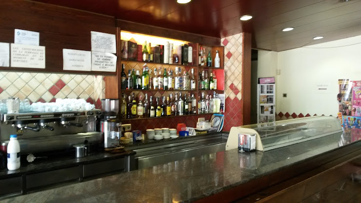 Bar-Restaurante-Estanco Ca L' Enric Av. de Catalunya, 3, 08732 Munia (la), Barcelona