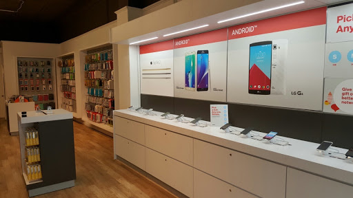 Cell Phone Store «Verizon Lexington», reviews and photos, 1792 Massachusetts Ave, Lexington, MA 02420, USA