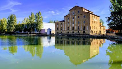 Dársena del Canal de Castilla en Medina de Rioseco
