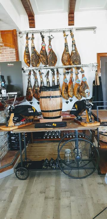 Restaurant Mesón del lleó Carretera de l´escala GI623 PK 16 izquierda, 17137 Viladamat, Girona