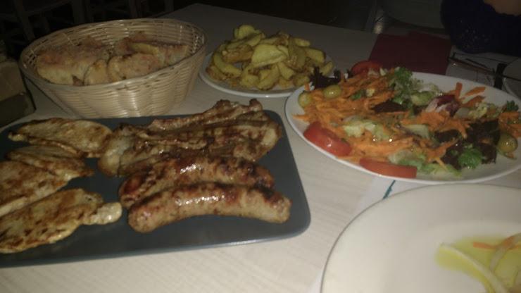 Bar Restaurant Can Llens Avinguda de Narcís Arnau, 36, 17172 Les Planes d'Hostoles, Girona