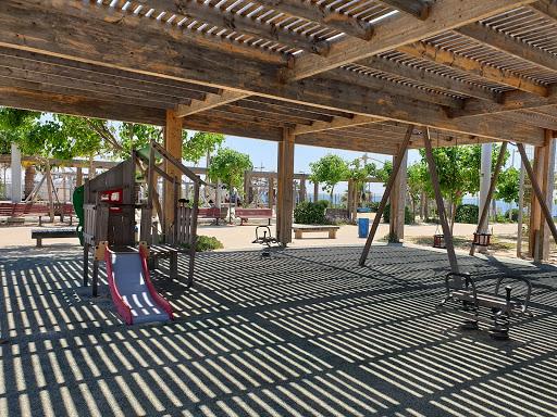 גן הטיילת העליונה פארק החוף ראשון לציון