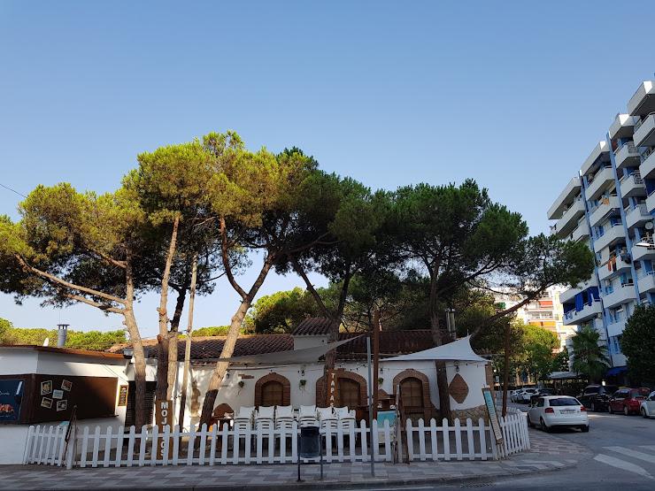 Camping Sabanell Av.Villa de Madrid, 7, 9, 17300 Blanes, Girona