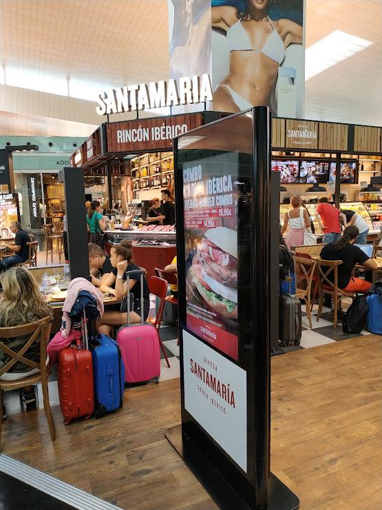 Dehesa Santa María Salidas. Sky Center, Aeropuerto Josep Tarradellas Terminal T1, Planta 1, 08820 El Prat de Llobregat, Barcelona