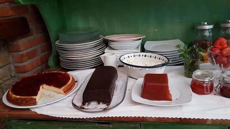 L'Ou de Reig Hostal Restaurant Crta.Palautordera a Seva Km.11,250 Fogars de Montclús, 08479, Barcelona