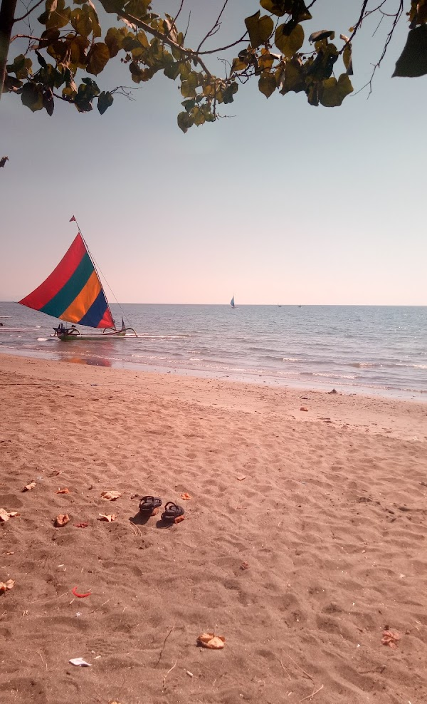 Wisata Pantai Pasir Putih Situbondo