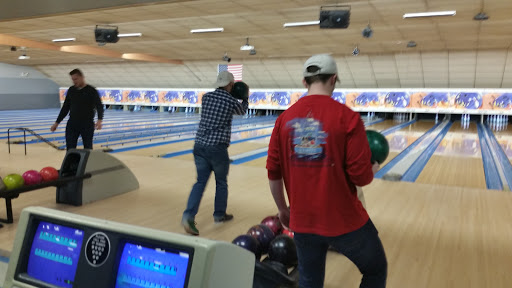Bowling Alley «Lessard Lanes», reviews and photos, 136 New Britain Ave, Plainville, CT 06062, USA