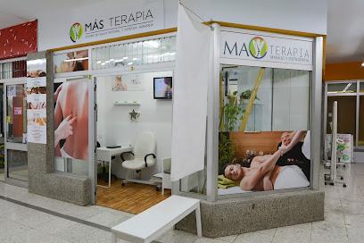 imagen de masajista Más Terapia Centro de Osteopatía, Masajes y Acupuntura en Los Cristianos