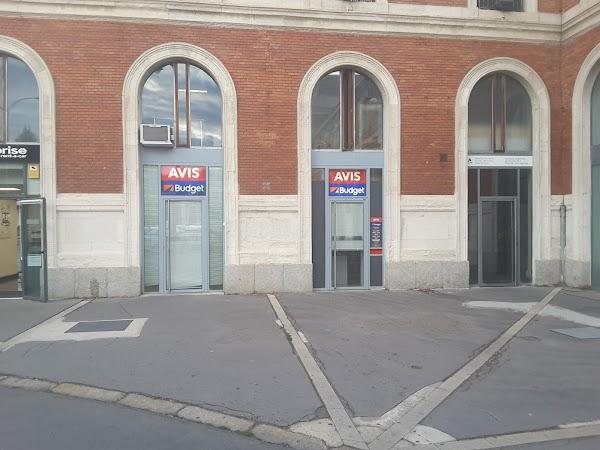 Avis Alquiler de Coches en Valladolid Renfe Estacion