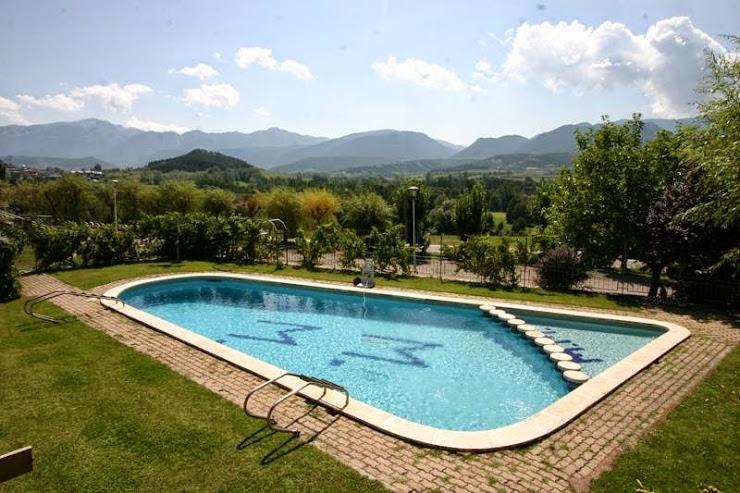 Hotel Fonda Matía Crt. Puigcerda N260 km 198, 25720 Bellver de Cerdanya, Lérida