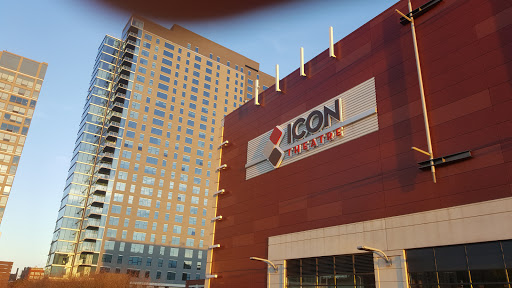 Movie Theater «ShowPlace ICON Theatres at Roosevelt Collection with ICON•X - Chicago», reviews and photos, 1011 S Delano Ct, Chicago, IL 60605, USA