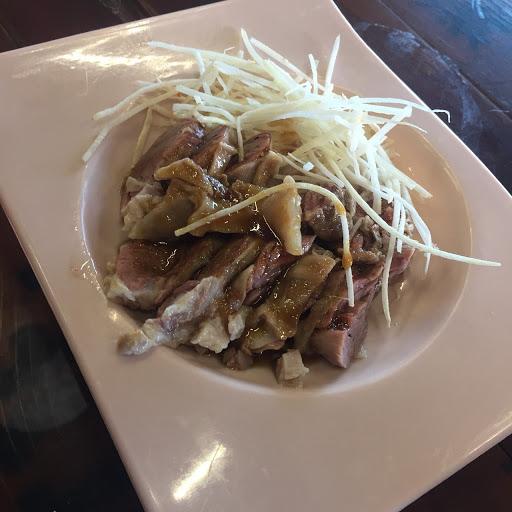 913傳統小吃 肉燥飯 拉仔麵 赤肉焿 各式小菜