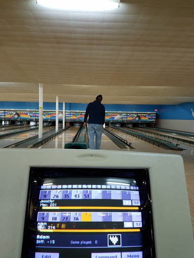 Bowling Alley «Bowling Center», reviews and photos, 1231 S Scott St, Bluffton, IN 46714, USA