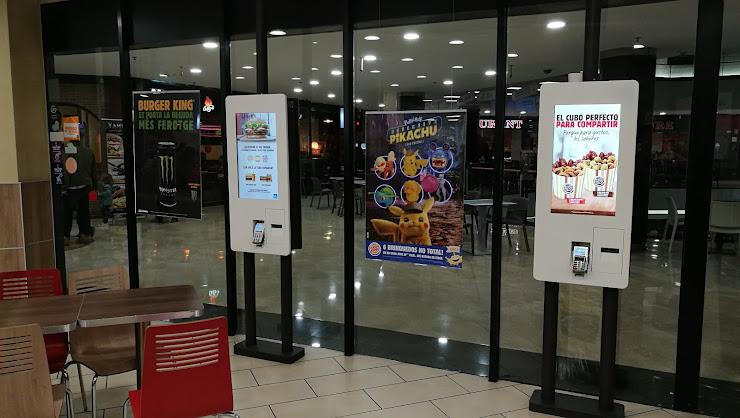 Burger King C.C. La Farga, Avinguda d'Isabel la Catòlica, s/n, 08901 Hospitalet de Llobregat, Barcelona
