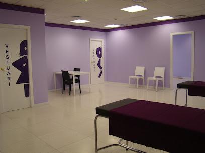 imagen de masajista centro de rehabilitación y fisioterapia Kinement