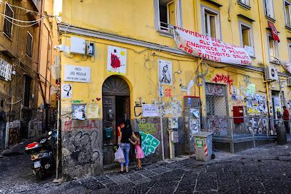 Piazza Luigi Miraglia 392 80134 Napoli Na Poste Italiane Posizione E Orari