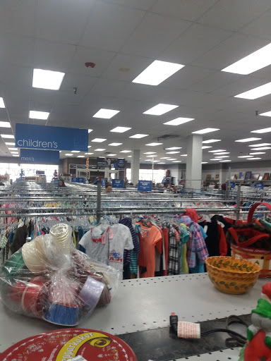 store goodwill denver cherry creek reviews and photos store goodwill denver cherry creek