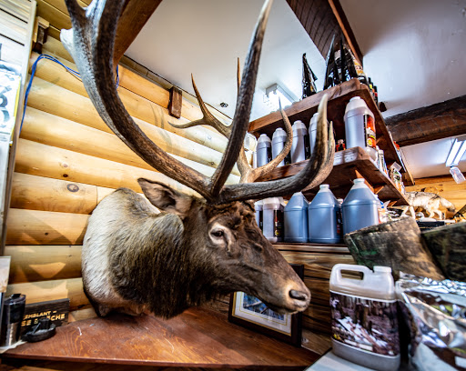 Hunting Chasse et Pêche Tremblant in Mont-Tremblant (Quebec) | CanaGuide
