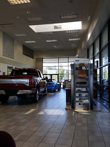 Car Dealer Landmark Ford Lincoln Reviews And Photos 12000 Sw 66th Ave Tigard