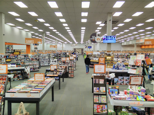 Used Book Store 2nd Charles Reviews And Photos 2465 Laurens Rd Greenville Sc