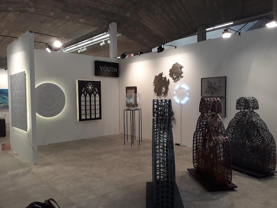 Lola Nikolaou Art Gallery