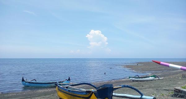 Pantai Nuansa Indah Pasir Putih