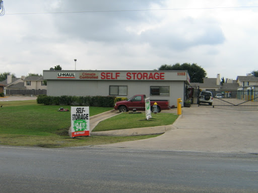Truck Rental Agency;B to B Companies;Business Service;Craft;Distribution Service;Distributors;Energy;Equipment Supplier;Fuels;Gas;Gas Company;Home Services;Industrial Area;Industrial Equipment Supplier;Industry;Manufacturer;Moving and Storage Service;Movi «U-Haul Moving & Storage of Waxahachie», reviews and photos, 1103 W Hwy 287 Bypass, Waxahachie, TX 75165