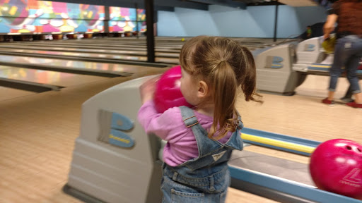 Bowling Alley «Strikes & Spares Entertainment Center», reviews and photos, 5419 N. Grape Rd., Mishawaka, IN 46545, USA