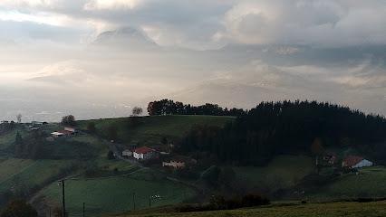 Necrópolis medieval de Momoitio