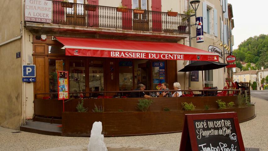 photo du resaurant café restaurant pizzeria du centre