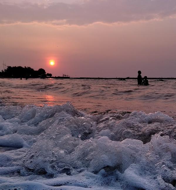 Pantai Sendang Sekucing