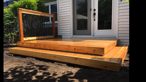 Deck Builder Gray Fence and Deck in Chelsea (Quebec)   LiveWay