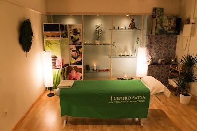 imagen de masajista Centro Satya