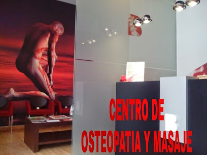 imagen de masajista Centro de Osteopatía y Masaje Bruno Balaguer