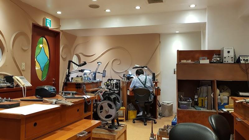 U-TREASURE 新宿店