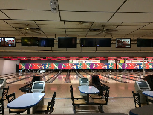 Bowling Alley «Columbus Bowling Center», reviews and photos, 3010 State St, Columbus, IN 47201, USA