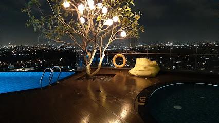 Swimming Pool Hotel Ciputra Surabaya