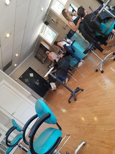 Hair Salon «Mecca Hair Salon», reviews and photos, 117 E 7th St, Georgetown, TX 78626, USA