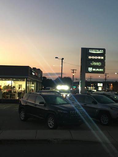 Car Dealer «Capitol Chrysler Dodge Jeep RAM», reviews and photos, 1520 W Main St, Willimantic, CT 06226, USA