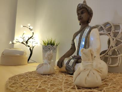 imagen de masajista Quiro-Reiki Wellness Center -Masaje en Valencia