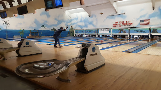 Pali Lanes Bowling Center