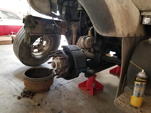 Truck Repair Babco Truck Repair & Mobile Service, Truck Batteries, Rad Fan Hub Rebuilt in Napanee (ON) | AutoDir