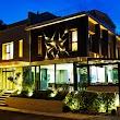 Rudis Deluxe Hotel