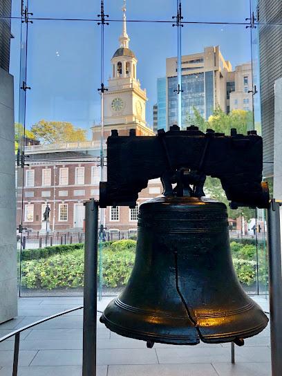 Philadelphia animal hospital nearby Liberty Bell