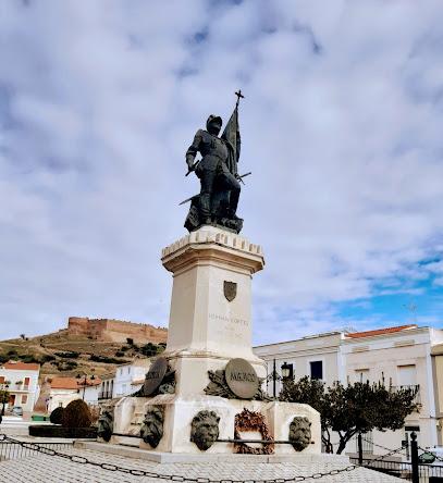 Statue of Hernán Cortés