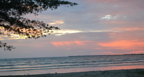 Pantai Kharisma