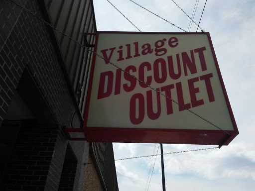 Thrift Store «Village Discount Outlet Store 13», reviews and photos, 4027 N Kedzie Ave, Chicago, IL 60618, USA