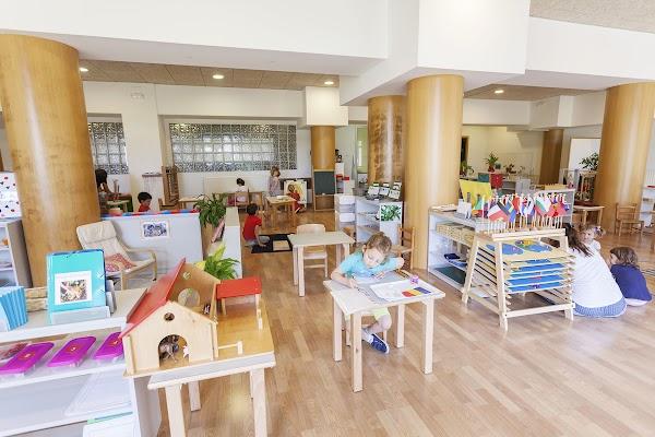 Complex Cultural i Esportiu Montessori-Palau