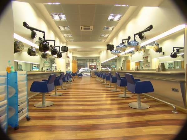 Academia de Peluquería y Estética Lito Seoane Centro Studio